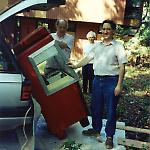 My father and I tip the AMI G-80 jukebox into my Volkswagen Passat.